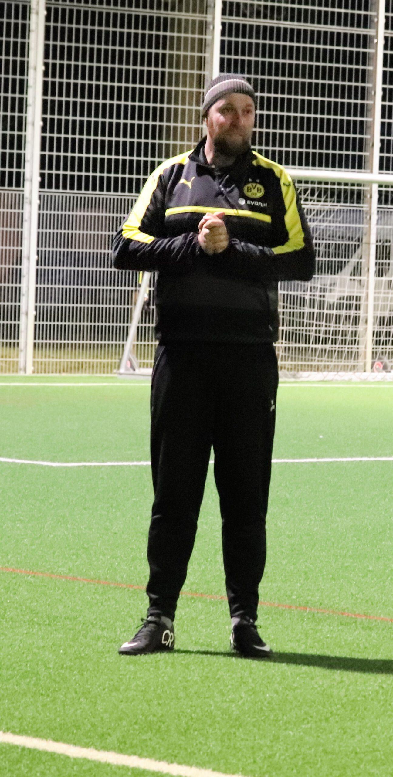 Falke-Männer-Trainer im Sportbuzzer-Interview